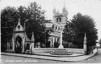 POSTCARD   BERKSHIRE   NEWBURY  Church  &  War  Memorial       RP