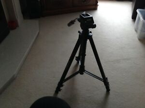 Hama Action 2 Tripod Camera / Video Camcorder Stand 50 inch 127 cm 4147