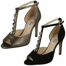 Calzado de mujer sandalias con tiras Clarks