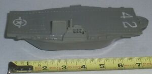 VINTAGE? UNKNOW MAKERS PLASTIC US NAVY SHIP AIRCRAFT CARRIER #42