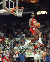 MICHAEL JORDAN 8X10 CELEBRITY PHOTO PICTURE AIR JORDAN DUNK 4