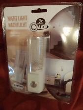 LED Nachtlicht Sensor Nachtlampe NEU Orientierung Steckdose Schlaflicht Urlaub