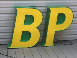 """Vintage BP gas service station lighted 2pc block letter sign 110V 31.5""""H"""