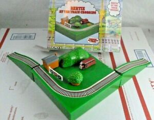 ERTL Shining Time Station Bertie At The Train Crossing Thomas The Tank Engine