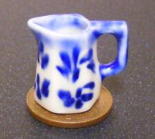 1:12 Blue & white 6 lati Ceramica Brocca DOLL HOUSE miniatura ACCESSORIO CUCINA B25