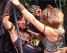 Xena Photo Club July 2005 8x10  photograph Jul 05 Xena fights Najara