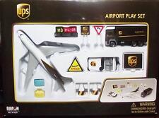 Daron Airport Playset-RT 4341-UPS Boeing 747 Jet-Die Cast & Plastic Parts-12 Pcs