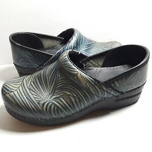 Danskos Size 39 Blue Green Swirls Nursing Clogs Slip Resistant