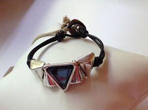 """NWT Uno de 50 Triangular Silvertone w/ Blue Swarovski Leather Bracelet """"Keita"""""""