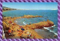 CPA 06 - CANNES - plage de la Bocca, au fond le suquet