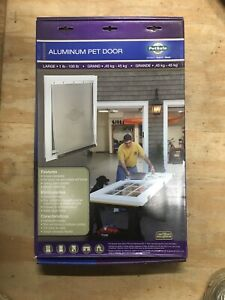 NEW PetSafe FREEDOM LARGE WHITE ALUMINUM PET DOOR HPA11-11600 Free Shipping!