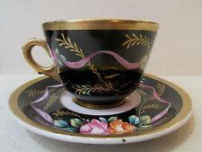 ancien grand dejeuner tasse sous tasse faience peinte decor floral signée AP