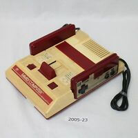 NES Console Nintendo Official Japanese Working HVC-001 Original Good! 2005-023