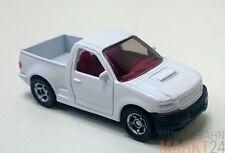 SIKU 0867 Range Rover Modell in weiß mit roter Innenaustattung im Maßstab 1:55