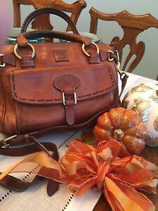 Dooney & Bourke Florentine Leather Medium Pocket Satchel🍂Natural