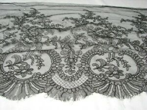 4 YARDS ANTIQUE 1800s VICTORIAN BLACK CHANTILLY LACE FABRIC