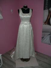***Zauberhaft ! Brautkleid mit Schleppe Gr. 38 Nr.6 z. basteln***