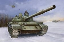 CHAR MOYEN SOVIETIQUE T-62 MOD. 1960 - KIT TRUMPETER 1/35 n° 1546