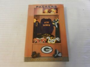 2004 Green Bay Packers Official Media Guide Book Locker Room on cover