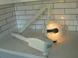 DENTAL BELMONT  CHAIR MOUNT CHAIR DENTAL WITH LIGHT