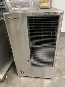 Hoshizaki KM-630MAH 650 lb, Crescent Ice Cube Machine, Head unit only-Air Cooled