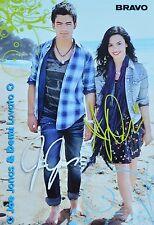 DEMI LOVATO & JOE JONAS - Autogrammkarte - Signed Autograph Autogramm Clippings