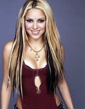 Shakira Unsigned 16x20 Photo (13)