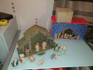 LARGE VINTAGE presepio 11 FIGURES CHRISTMAS NATIVITY AND STABLE SET BOXED