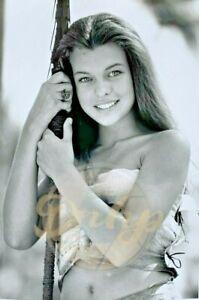 Milla Jovovich Return To The Blue Lagoon 8x10 B&W (1 photo) 1991 Lobby Card