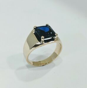 14 KT SOLID YELLOW GOLD MENS RING  WITH EMERALD CUT SAPPHIRE SZ 12