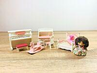 Sylvanian Families Abigail Bramble Pink Girls Bedroom Piano Set