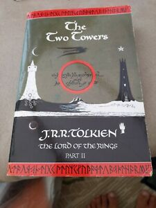 The Two Towers: The Lord of the Rings, Part 2 by J. R. R. Tolkien (Paperback, 1…