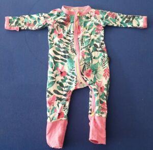 Bonds Baby Green Leaves Pink Rainforest Floral White Zip Wondersuit size 000