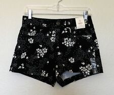 SO Shorts 9 Shortie Black White Daisies Stretch Flat Front Cotton Spandex NEW