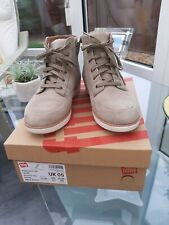Fitflop Kaya Lace Up Taupe Suede Ankle Boots Size 5