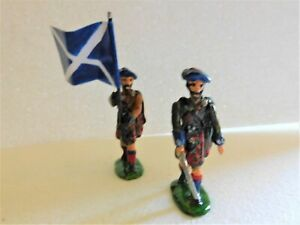 54mm white metal Scottish Jacobite soldiers mid 18C with ensign.