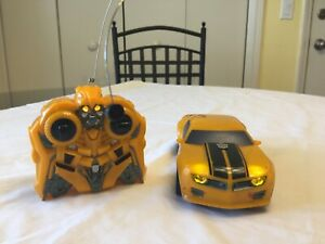 Hasbro Transformers Bumblebee RC Car Lights & Sounds 2008 NICE! Hard To Find!