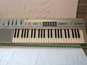 Casio Casiotone CT-320 49-Key Portable Electronic Synthesizer (Used)