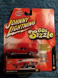 Johnny Lightning '60s Sizzle 1966 GTO Red W/Boxcar NIB! 2005