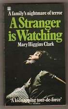 MARY HIGGINS CLARK  =  A STRANGER IS WATCHING  =