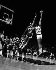 1970's Bucks KAREEM ABDUL-JABBAR vs Lakers WILT CHAMBERLAIN Glossy 8x10 Photo