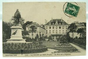 CPA - La Roche-sur-Yon - La Place de la Préfecture - BE