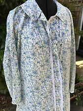 Vintage floral ditsy cotton nightwear dressing gown long sleeved collared blue