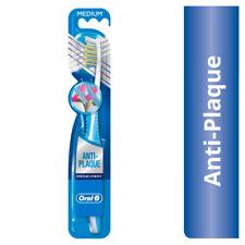Oral-B Pro-Expert Anti Plaque 35 Medium Toothbrush Cross Action