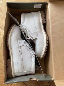 Timberland Ladies UK Size 5 (EU 38) White Boots