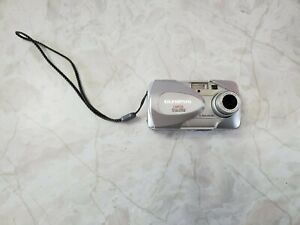 Olympus CAMEDIA D-560 Zoom 3.2MP Digital Camera - Silver Tested/Working
