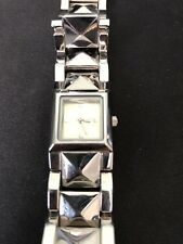LADIES ACCESSORIES AT NEW LOOK QUARTZ WATCH