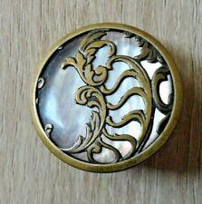 ancien bouton nacre et metal