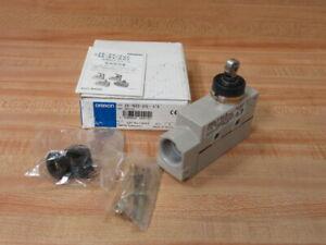 Omron ZE-N22-2G Limit Switch W/Roller Lever ZEN222G