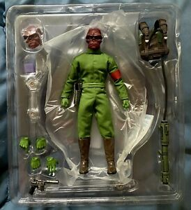 Mezco One 12 Red Skull Action Figure Classic Variant NYCC Exclusive